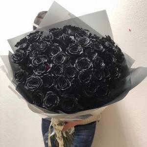 Букет 51 черная роза с оформлением R825